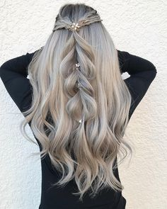 40 Trendy Braided Hairstyles For Long Hair To Look Amazingly Awesome;Beautiful prom hairstyles long hairstyles for teens. hairstyles 2018 40 Trendy Braided Hairstyles For Long Hair To Look Amazingly Awesome Teen Hairstyles, Wedding Hairstyles For Long Hair, Box Braids Hairstyles, Braids For Long Hair, Hairstyles 2018, Simple Hairstyles, Hairstyle Ideas, Fashion Hairstyles, Pretty Hairstyles