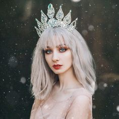 Portrait photography - What distinguishes Jovana Rikalo from others? Snow Photography, Fantasy Photography, Creative Photography, Portrait Photography, White Aesthetic, Aesthetic Girl, Snow Girl, Snow Queen, Drawing People