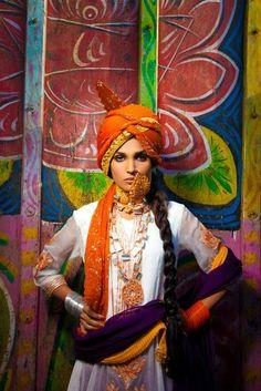 Fahad Hussayn is one of the best Pakistani fashion designer. Pakistani Makeup, Pakistani Bridal, Back Jewelry, Bridal Jewelry, Bling Jewelry, Jewelry Accessories, Jewelry Necklaces, Ethnic Fashion, Indian Fashion