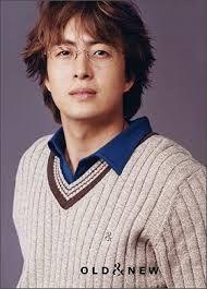 En el 2004 mientras se encontraba en gira de promoción por China y Japón, coincidió con la publicación de su libro fotográfico en Japón.
