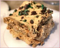 This is the biggest yummy in the whole wide world! PEPPERMINT CRISP FRIDGE TART …serves 500 ml fresh cream or any other whipping cream 1 can Caramel Treat 3 bars of Pepp… Pepermint Crisp Tart, Peppermint Crisp, Kid Desserts, Cookie Desserts, Dessert Recipes, Tart Recipes, My Recipes, Fridge Cake, Caramel Treats