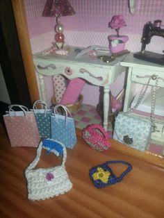 Mini bolsos y mini bolsas