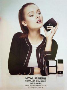 Chanel Vitalumiere Compact Doucer, 2013 Monika Jagaciak, Gap Teeth, Daniel Wellington, Fitbit, Make Up, Chanel, Cosmetics, Compact, Fans