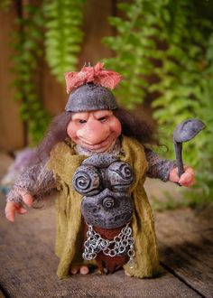 Goblin Doll. La cocinera Wilda. Ooak. Muñeca artesanal por Goblins Lab. OOAK Dolls *The Artist Web ( GoblinsLab ) :https://goo.gl/0Cc6op /  Criaturas Míticas hechas a mano, por el artista plástico  Moisés Espino. The Goblin´s Lab. Madrid, España. Hadas, Duendes, Trolls, Brownies, Goblins, Fairies, Elfs, Trolls, Gnomes, Pixies....Quieres adoptar a una criatura? *GoblinsLab Facebook: https://goo.gl/S39lGQ  /  http://goblinslab.deviantart.com/