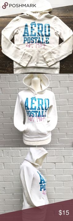 """Aeropostale Adult Hoodie Size XS Fits as Youth XXL Aeropostale off white hoodie Size XS adult, fits true to size The bust from armpit to armpit is 17.5"""" This hoodie would fit as XXL teen (age 16-18) There are a couple of areas with very light stains. I don't usually post things with stains but this hoodie is lovely and the stains are very unnoticeable. I would wear this but it is too small for me. The last two photos show some of the stains (really can't spot them). Lovely hoodie pricing it…"""