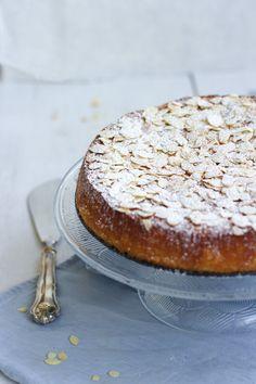 Yummy Baker: Moist and Easy Orange-Almond Cake Orange And Almond Cake, Finnish Recipes, Almond Cakes, Gluten Free Baking, Homemade Cakes, Fodmap, No Bake Desserts, Camembert Cheese, Sweet Treats