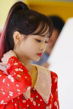 genie behind the scenes [loona] Extended Play, South Korean Girls, Korean Girl Groups, Cool Girl, My Girl, Chuu Loona, Fandom, Olivia Hye, These Girls