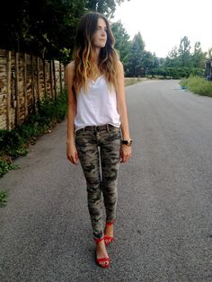 Camo jeans look so sexy chic when worn with a plain white muscle tee and red strappy heels!
