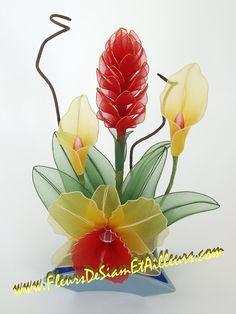 Nylon Flower - Arum, Cattleya et Curcuma Nylon Flowers, Wire Flowers, Plastic Flowers, Fabric Flowers, Paper Flowers, Ribbon Projects, Ribbon Crafts, Flower Crafts, Nylon Crafts