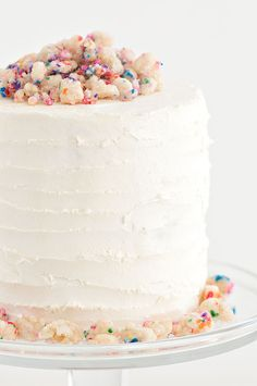See this yummy crumble birthday cake and the rest of Lauren Conrad's friday favorites