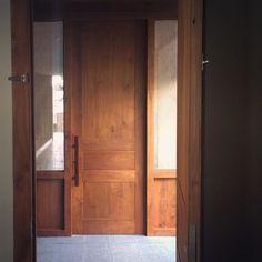 Simplicity  #wabisabi #interior #design #natural #wood #warm #door #atmosphere #interiordesign #bali #ubud #bismaeight #architecture #zen #style #simple #minimal #cozy #rattan #corridor #wanderlust #liveauthentic #traveling #hotel #きれい #いいね #すごい by esakapila