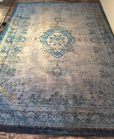 Hottest Cost-Free Blue Carpet pattern Ideas Develop a glance of elegance and depth in your bed room by incorporating deep blue into your colorat Blue Carpet Bedroom, Metal Kitchen Cabinets, Sofas For Small Spaces, Patterned Carpet, Grey Carpet, Best Carpet, Woodland Nursery Decor, Animal Nursery, Oriental Rug