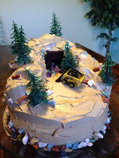 Rock & gems mining cake