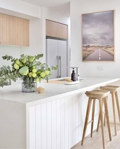 House call: Visit the plant-filled, Scandi inspired home of Haus of Cruze. - House call: Visit the plant-filled, Scandi inspired home of Haus of Cruze. Kitchen Interior, New Kitchen, Awesome Kitchen, Kitchen Ideas, Kitchen Tips, White House Interior, White Oak Kitchen, Stylish Kitchen, Kitchen Themes
