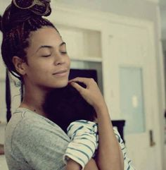 Blue is safe in Bey's arms...