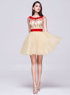 A-Line/Princess Scoop Neck Short/Mini Tulle Homecoming Dress With Beading Flower(s) Sequins (022068070) - JJsHouse