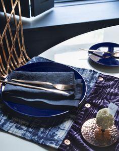 Bronze Cutlery with Sumptuous Velvet Table Runner