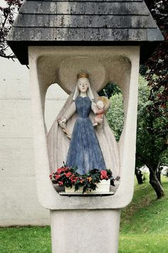 A modern Austrian wayside shrine for Mary.