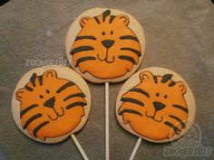Atelier Zuckersüss: Tiger cookies Tiger Cookies, Flower Hair Accessories, Cut Out Cookies, Safari Animals, Royal Icing, Cookie Decorating, Happy Birthday, Sugar, Treats