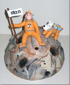 Tintin visits the Moon cake made by Wendy's Taarten 4 the love of cake in Holland