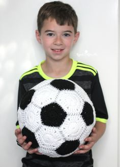 Crochet Soccer Ball - Repeat Crafter Me