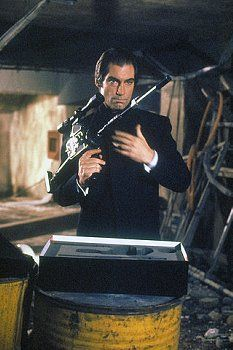 On the set of Licence to Kill, directed by John Glen.