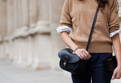 The minimalist fashion dress European and American streets most popular European Dress, Coach Purses, Minimalist Fashion, Clothing Items, Beautiful Outfits, Style Me, Fashion Dresses, Street Style, Style Inspiration