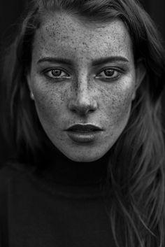 Photography: Agata Serge  Styling: Mariusz Brianski  MUA: Aga Zajdel  Lens: The Bokeh Factory  Assistants: Malgosia Twardowska & Tom Widlak  Model: Agatte
