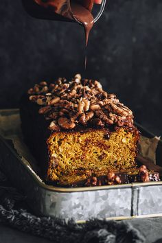 Vegan Pumpkin Bread with Chocolate and Walnuts. Gluten Free | The Awesome Green