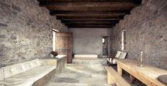 Casa-studio. Location: versante orientale del monte Pelion, Grecia; firm: Katerina Tsigarida Architects.