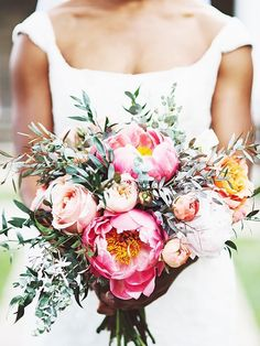 Look at how many times these were pinned on Pinterest! 12 Wedding bouquets that went viral on Pinterest.