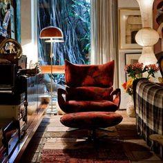 Poltrona Paulistana, design de Jorge Zalszupin / Residência de Jorge Zalszupin em São Paulo. #design #poltrona #conforto #designdemoveis #furnituredesign #chairdesign #chair #armchair #comfort #interior #interiores #artes #arts #art #arte #decor #decoração #architecturelover #architecture #arquitetura #design #projetocompartilhar #davidguerra #shareproject #paulistana #jorge #zalszupin #jorgezalszupin #saopaulo #sp #brasil