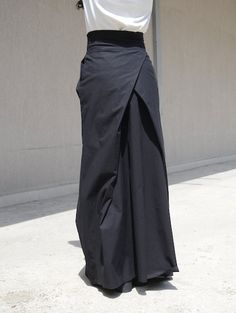 Elegant and chic Long womens extravagant long high waist skirt    Style with 2 side Pockets  Perfect for day time or the evening.  Comfortable loose fit - looks great on everyone.   Different sizes available XS,S,M,L,XL,XXL,3XL... PLUS SIZES AVAILABLE   Please, see the Body measures in Policies, Additional Information  Please send me your exact measurements and this extravagant skirt will be made to fit you. TIPS ON TAKING YOUR MEASUREMENTS: BUST. Wrap a soft tape measure around your bust…