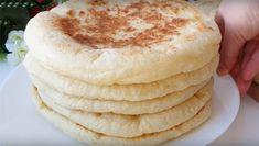Lenten, soft, straight-air Turkish baslama bread on kefir. Snapping up in minutes! Kefir, Vanilla Cake, Camembert Cheese, Pancakes, Cooking Recipes, Tasty, Dinner, Breakfast, Brot
