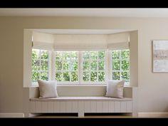 vooraanzicht niet mooi.. rugleuning gaat mooi op in de wand. Living Area, Living Room, Bungalow Renovation, Window Benches, Interior Architecture, Interior Design, Built In Bench, Bay Window, My Dream Home