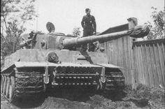 Tiger code II of schwere Panzer Abteilung 502 1943 Tiger Ii, Mg 34, Ferdinand Porsche, Army Vehicles, Armored Vehicles, Luftwaffe, Self Propelled Artillery, Ww2 Pictures, Tiger Tank