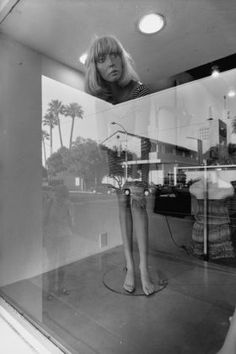 Lee Friedlander, Tucson from his book 'Self Portraits' Lee Friedlander, Aberdeen, Eugene Atget, Robert Frank, Walker Evans, Reflection Photography, Street Photography, Window Photography, Portrait Photography