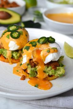 17 Eggs Benedict Recipes to Make for Brunch - An Unblurred Lady 17 Eggs Benedict Recipes to Make fo. Egg Recipes, Brunch Recipes, Mexican Food Recipes, Cooking Recipes, Healthy Recipes, Free Recipes, Healthy Food, Kitchen Recipes, Mexican Breakfast Recipes