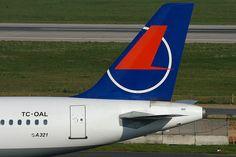 Onur Air Airbus A321-231 TC-OAL @ DUS Onur Air, Airline Logo, Design, Planes