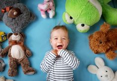 When your toddler won't stay in bed and sleep, you will probably try anything. Here are 5 tips to fight the dreaded 18 month and sleep regression. Toddler Pillow, Toddler Sleep, 4 Month Old Sleep, 18 Month Sleep Regression, Ella Enchanted, Puzzle Of The Day, Sleep Schedule, Stay In Bed, Blue Blanket