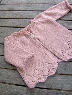sugar baby love - ittybitty Sugar Baby Love baby cardigan -- free pattern (in French) Cardigan Bebe, Crochet Baby Cardigan, Baby Cardigan Knitting Pattern, Knit Baby Dress, Knit Baby Sweaters, Baby Knitting Patterns, Baby Patterns, Knitted Baby, Cardigan Rosa