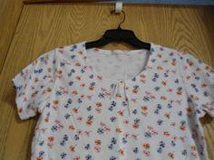 NWOT LT Casuals by Liz Thomas WhiteTee Top, Shirt w/ Purple & Orange Poppies L/G #LTCasuals #BasicTee