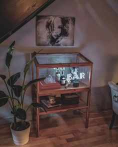 Alcohol is not in my vodkabulary. But I looked it up on whiskypedia and learned that if you drink too much of it, it's likely tequilya. Office Party Decorations, Event Decor, Hallway Inspiration, Interior Inspiration, Kitchen Shelf Decor, Best Desk, White Wallpaper, White Home Decor, Neon Lighting