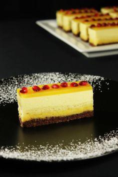 MaLu's Mangoschnitten – Maren Lubbe – Feine Köstlichkeiten Köstliche Desserts, Sweets Recipes, Cake Recipes, Patisserie Design, Cream Cheese Pastry, Dessert Restaurants, Mango Mousse, Pastry Recipes, Food Cakes