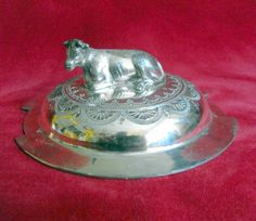 S7014 £SOLD (to Australia) Vintage plated butter dish lid with figural cow finial (lid only no base)