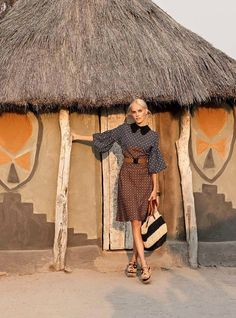 Isabel Lucas shot by Max Doyle for Vogue Australia Dec 2011 Photoshoot Inspiration, Style Inspiration, Beautiful Outfits, Cute Outfits, Isabel Lucas, Michael Kors Fashion, International Style, Check Dress, Mixing Prints