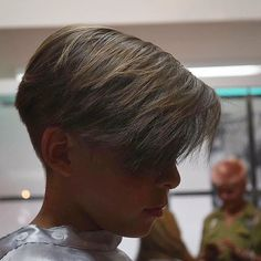 Men's Hairstyles Take On a Sexy New Look! Boy Haircuts Short, Bowl Haircuts, Haircuts For Men, Retro Hairstyles, Boy Hairstyles, Two Block Haircut, Medium Hair Styles, Long Hair Styles, Long Hair Cuts