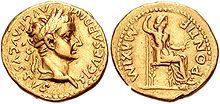 Moeda da Roma Antiga – Wikipédia, a enciclopédia livre Áureo de Tibério. 136 a.C.. De um lado, a cabeça com capacete da deusa Dea Roma. De outro lado, os Dióscuros.