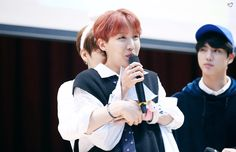 [♡] #Jhope    #Jungkook 171008 mihwadang fansign ~❤️