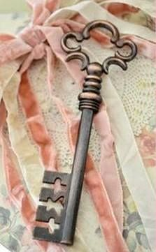 shabby chic lock and key Under Lock And Key, Key Lock, Antique Keys, Vintage Keys, Antique Hardware, Knobs And Knockers, Door Knobs, Door Handles, Cles Antiques